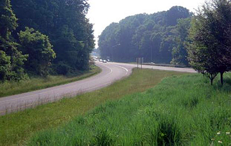 Open section highway in Howard County with disconnected pavement
